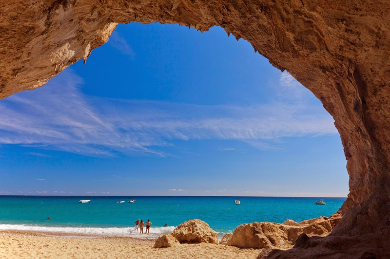 CALA LUNA - A MAGICAL MUST-SEE ON THE EASTERN COAST