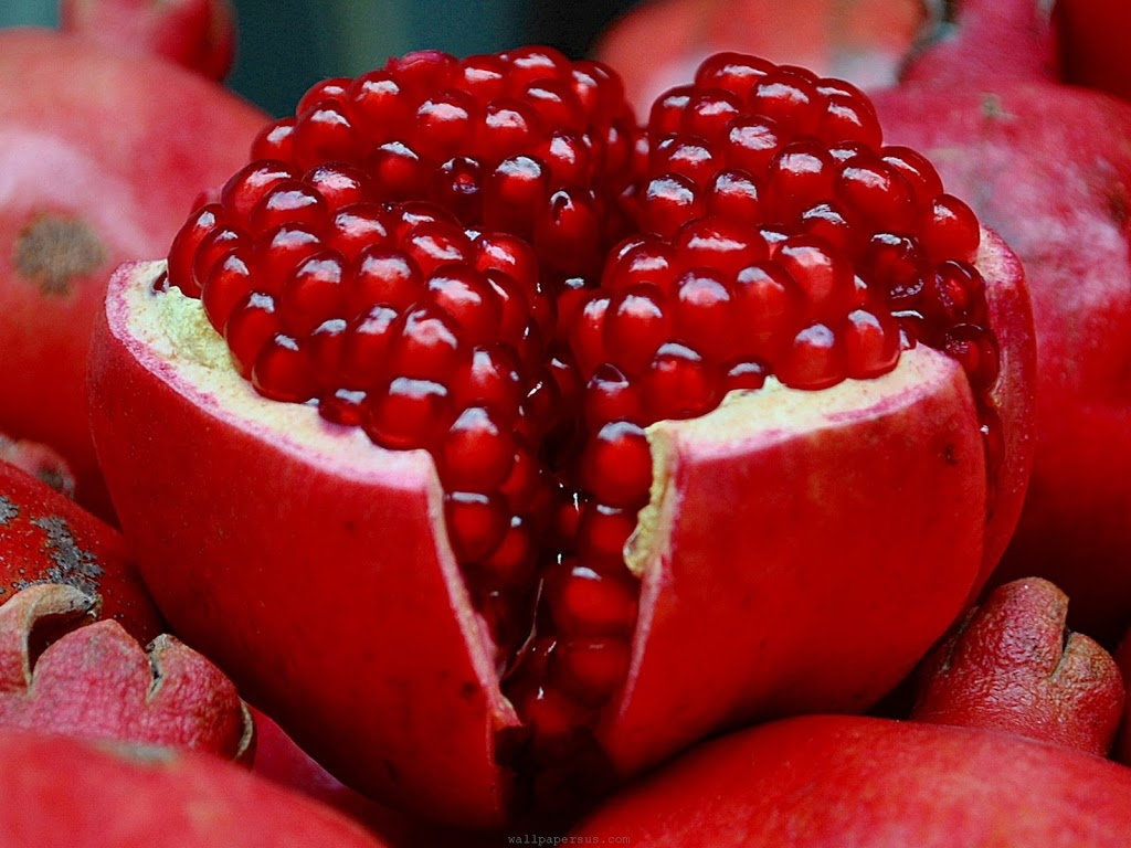 YEAH!! ! IT'S POMEGRANATE TIME!