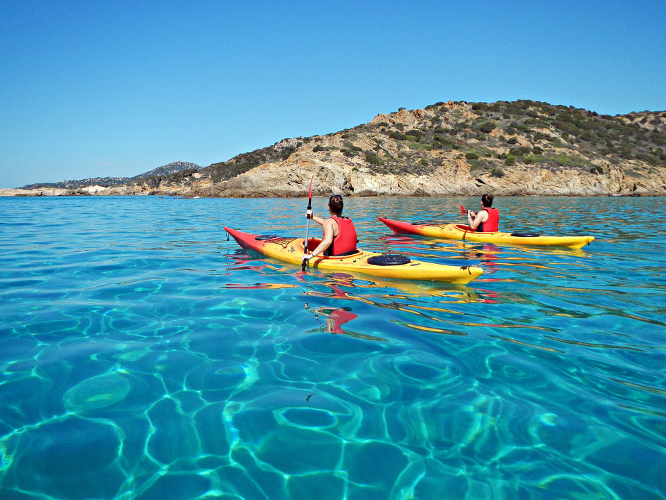 AN UNFORGETTABLE KAYAK TOUR
